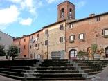 gambassi-terma-piazza-castello